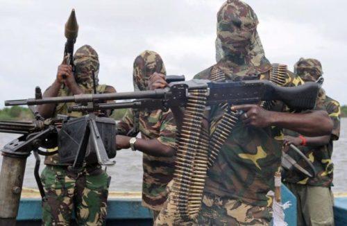 niger-delta-militants-690x450