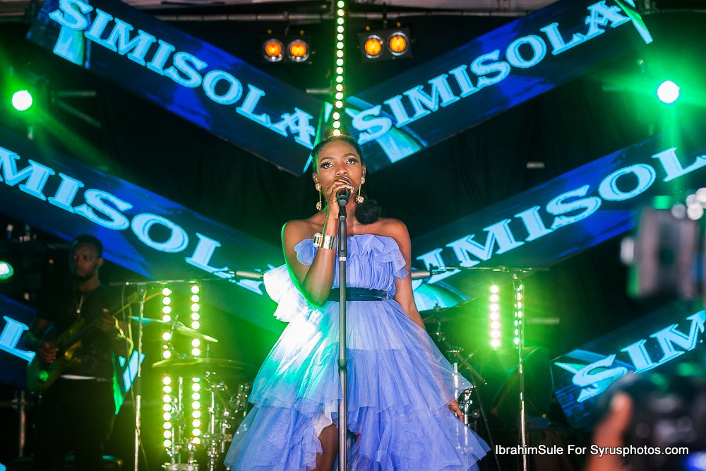 Simi takes the stage on Sunday Live show