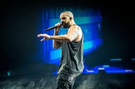 "There's a new BEEF in hip hop, and it's between Drake and Kanye West. AndDrake is coming out firing shots. At Drake's concert last night, he Blasted Yeezy for ""flopping"". Drake was performing hit hit song Know Yourself, and he switched out a few lyrics - and used the phrase ""Kanye Flopped.&qu"