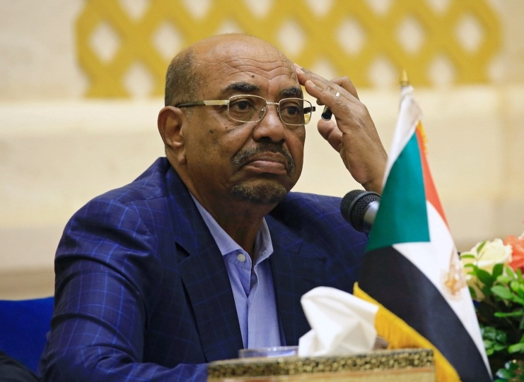 Millions of Euros, Dollars, other currencies found in Sudanese Al-Basir's residence
