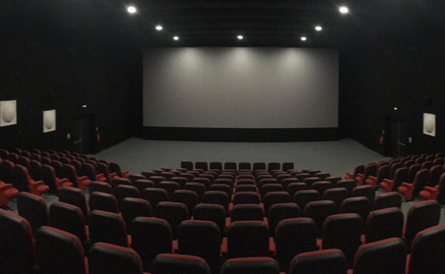 Man who accompanied female friend to cinema at verge of losing marriage after wife finds out