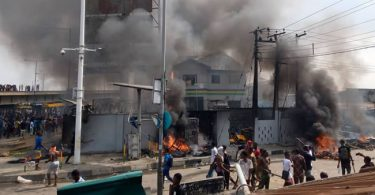 Suspected #EndSARS protesters kill cop, burn down police station in Lagos