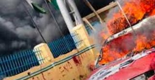 #EndSARS: 4 feared dead as hoodlums burn police station in Abuja