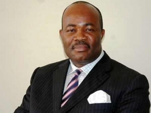Ex-Deputy Gov, APC guber aspirant disagree on Akpabio's defection