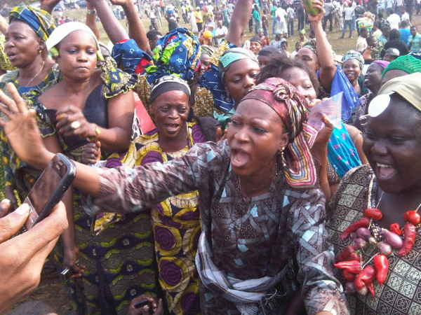 PDP Woman Leader leads aggrieved members to defect to APC in Yobe