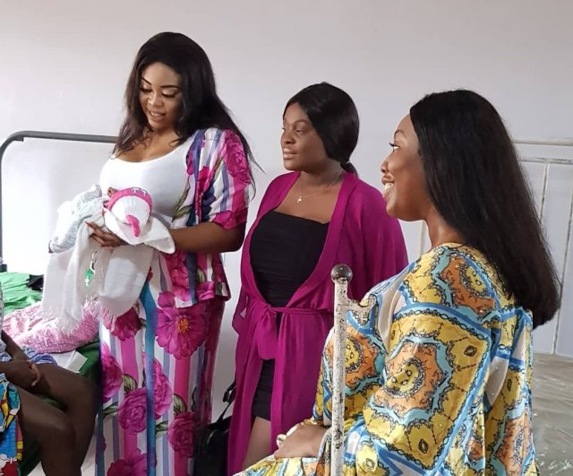 Mimi Orjikwe Celebrates Her Birthday With New Mothers, Pay Their Debt At The Hospital