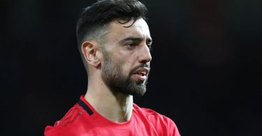 Bruno Fernandes speaks on Man Utd bust-up rumours with Solskjaer